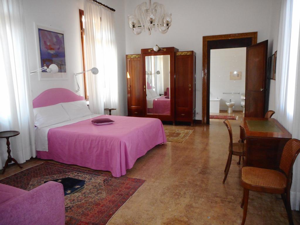 VENEZIA CANNAREGIO – Prestigioso appartamento di ampie dimensioni con Terrazza