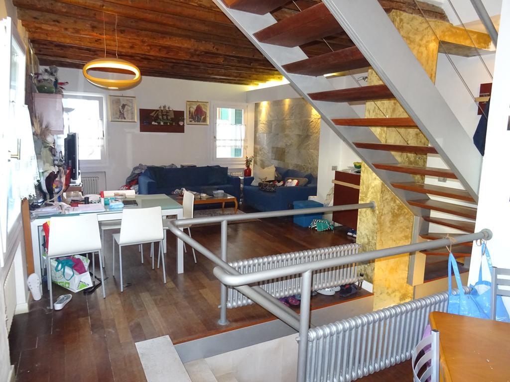 VENEZIA DORSODURO – Appartamento porta sola tre camere