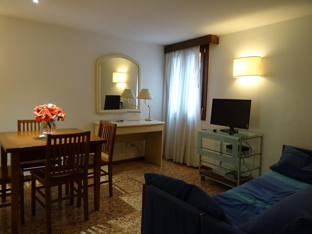 VENEZIA CASTELLO – Appartamento ristrutturato vista canale