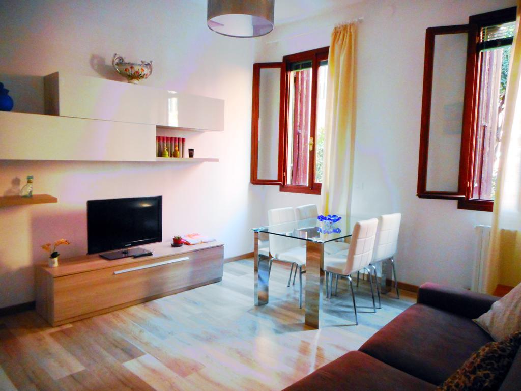 VENEZIA CASTELLO – Appartamento ristrutturato con giardino