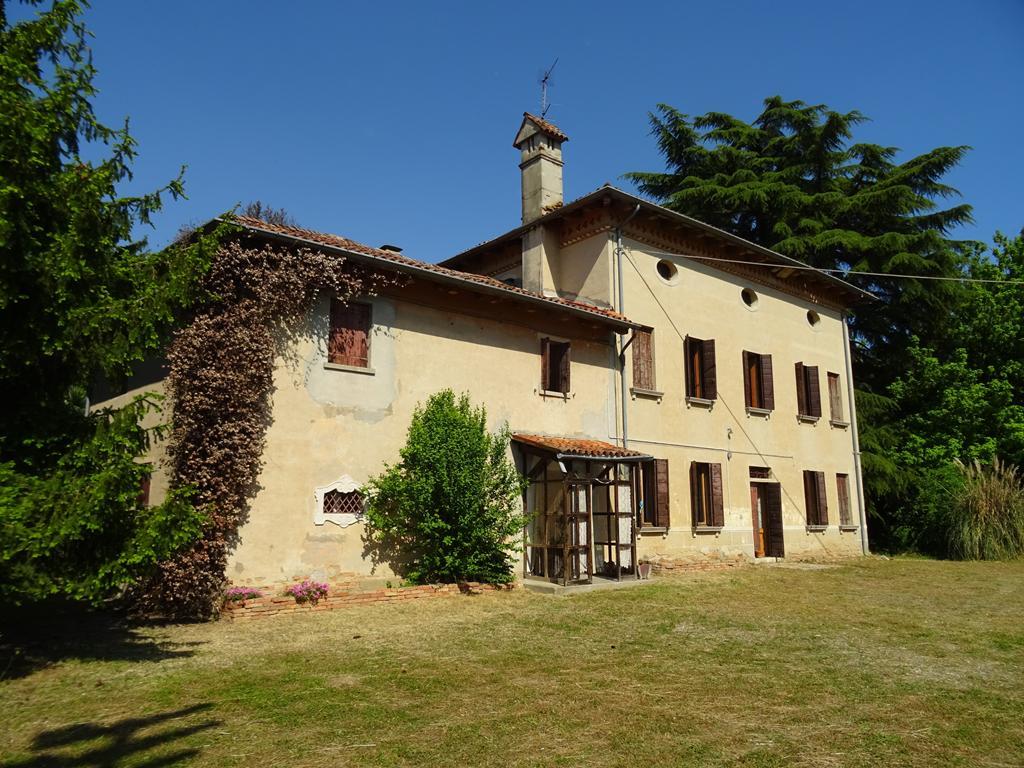 ZELARINO – Villa Singola con parco alberato