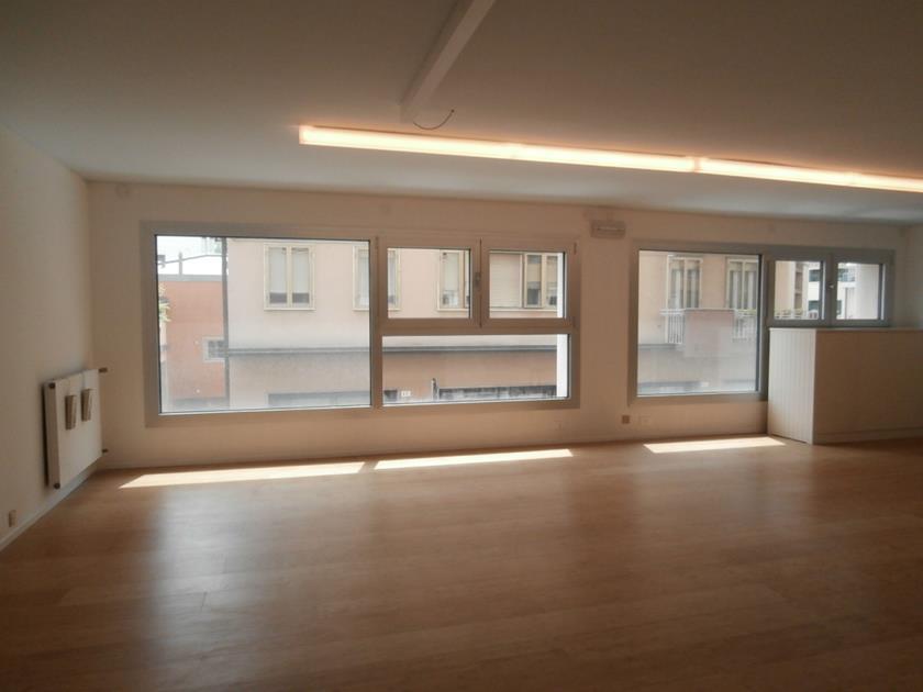 MESTRE CENTRO – Ufficio/Negozio su due livelli con vetrine