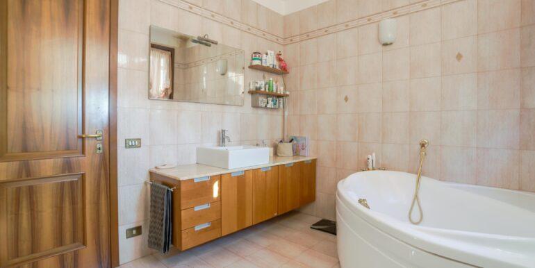 bagno secondo piano 3_2062x1375