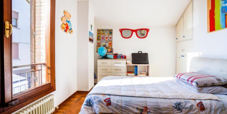 camera di letto di bambino_2062x1375