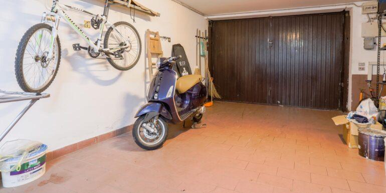 garage dentro_2062x1375