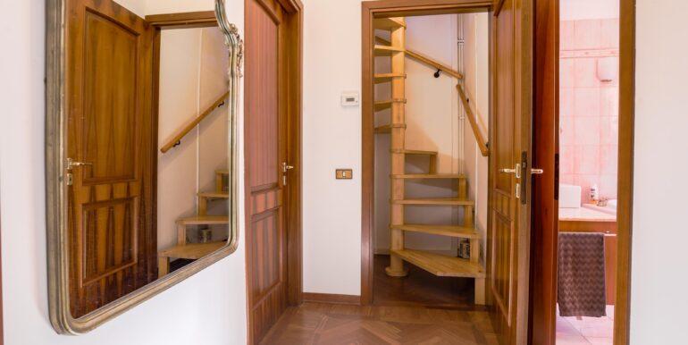 scale per camera di terzo piano_2062x1375