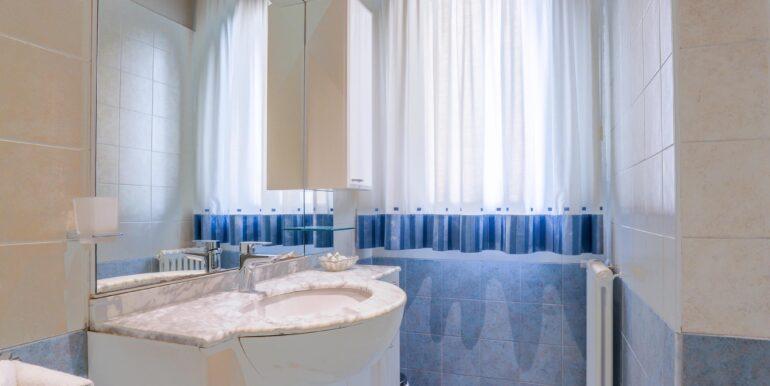 bagno 1 quadrilocale_2062x1375
